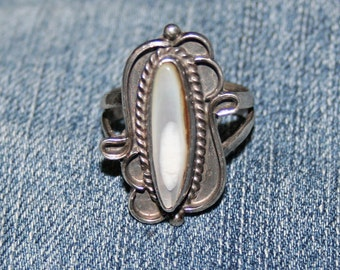 Old Pawn Ring Native American Mother of Pearl Sterling Silver Nice Details