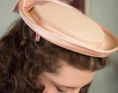 Vintage 1950s Hat - Feminine Ivory Straw 50s Hat with Pale Pink Ribbon Trim and Large Bow