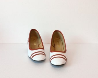 vintage 1960' shoes // mod spectator pumps // red white patent scooter heels 8.5 N
