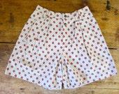 Khaki Printed Shorts 90s High Waist Beige Shorts Minimal Pocket Shorts Printed Tennis Shorts Vintage Pleated Womens Preppy Mom Shorts Medium