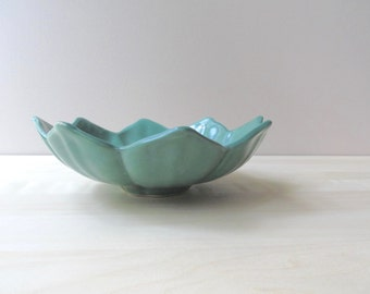 vintage jade green lotus bowl american art pottery camark mccoy USA