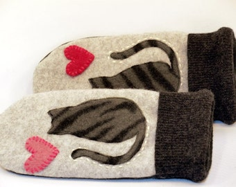 Wool Mittens Cat Mittens Felted Sweater Light and Dark Grey and Red Sriped Cat Applique Leather Palm Fleece Lining Eco Friendly Size S/M
