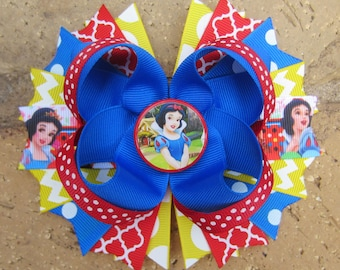 Snow White inspired Hair Bow for Disney World Vacation or Birthday Party