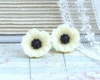 Cream Poppy Earrings Cream Flower Earrings Cream Poppy Studs Surgical Steel Studs Poppy Jewelry