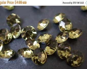 ON SALE CLOSEOUT Sale - Faceted Yellow Lime Green Apple Round Lucite Crystal Settings - 8mm - 50 pcs