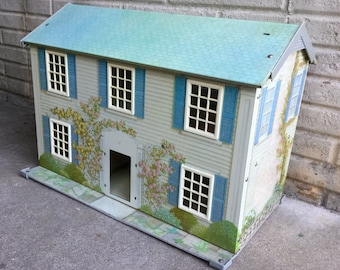 Vintage Metal Doll House by Today's Kids
