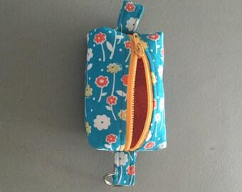 Teeny Tiny Boxy Coin Pouch - dainty flowers
