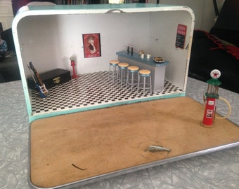 Vintage RETRO Breadbox Miniature 50's Diner Diorama 40 piece set