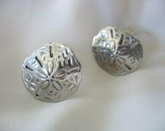 "Sand Dollar Earrings Silvertone Embossed Clip on Leverbacks 3/4"" 1970s"