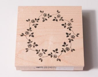 Memory Box Mercer Rose Wreath stamp