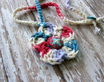 Red White Blue Necklace, Crochet Red White Blue, Cotton Crochet Flower, Flower Necklace, Patriotic Necklace, USA Necklace, Fabric Button