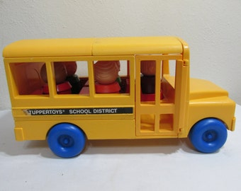 Tupperware School Bus and Classroom with 5 People