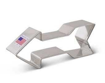 "Arrow cookie cutter, 4.5"" Tribal cookie cutter, Great for Cross Country Races, scouts, fraternities"