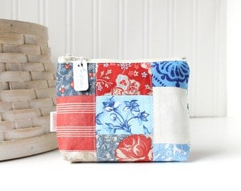 Patchwork Americana Coin Purse Gift Card Credit Card Holder Red White and Blue Zipper Pouch Floral Change Purse