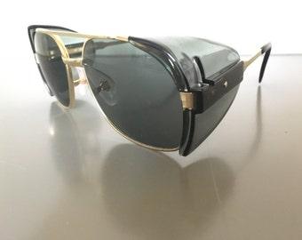Vintage Aviator sunglasses with plastic side shields