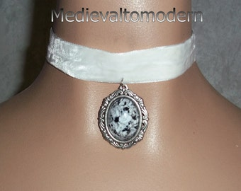 Choker in White Soft Velvet Veolur Victorian Style Wedding Bridal Gray Swirl Cab by Medievaltomodern Bride Bridal Party Wearable A