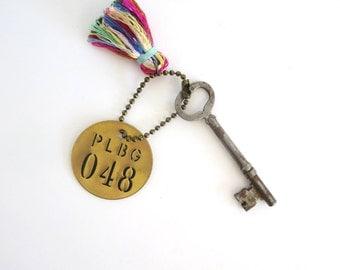 Vintage skeleton key Heart skeleton key Old skeleton key Heart key Old skeleton key Vintage brass tag Old brass number tag Bit key 48 tag 6F