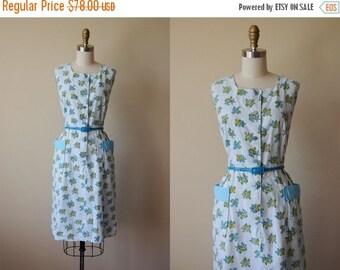 ON SALE Vintage 1940s Dress - 40s Dress - Blue Chartreuse Novelty Print Chickenwire Butterfly Sundress L - Flirt House Dress