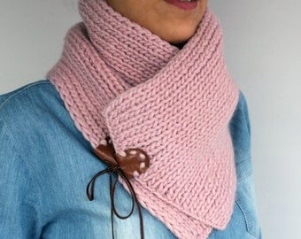 Knit Chunky Scarf, Pure Merino Wool Cotton Pink, Hand Knitted Scarf, Neckwarmer, Leather Accent, Warm Winter Cozy, Christmas Gift