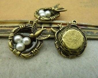 Bird's Nest Pendant (EMB-141)
