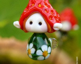 Strawberry Fairy glass bead