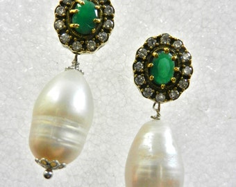 Classic Beauty   Sizzling clear  Rhinestone and root emerald Earrings - genuine Baroque Pearl Drop -- Art.73/4 --