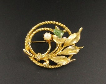 Pearl Brooch, Jade Garden Brooch, Sarah Coventry Brooch, Genuine Pearl Brooch, Gold Brooch, Leaf Brooch, Circle Brooch