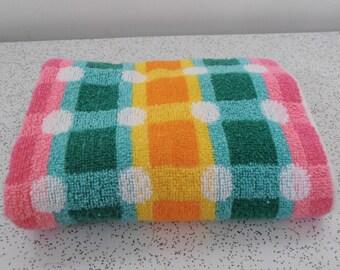summer brights...vintage cotton bath towel