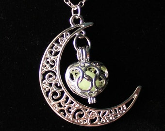 Glow in the Dark Necklace,Lunar Moon Pendant,Crescent Moon Necklace