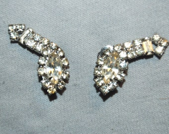 Vintage / Sparkling / Clear / Rhinestone / Earrings / Clip Back / old jewelry