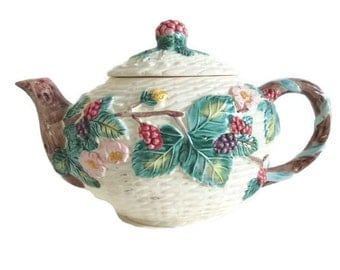 Teapot Embossed Raspberries Made in Japan 1988