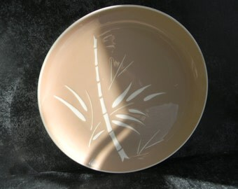 Vintage Harkerware Dinner Plates - Bamboo Coral Beige Dinner Dishes - Asian Bamboo Pattern - Retro Kitchen Decor, vintage wedding- 1950's