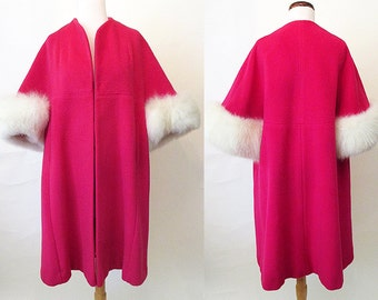 ON HOLD Dreamy 1950's Designer Pink Swing Coat with white Fur cuffs Vintage Chic VLV Pinup girl Rockabilly Hollywood Glamor size Medium