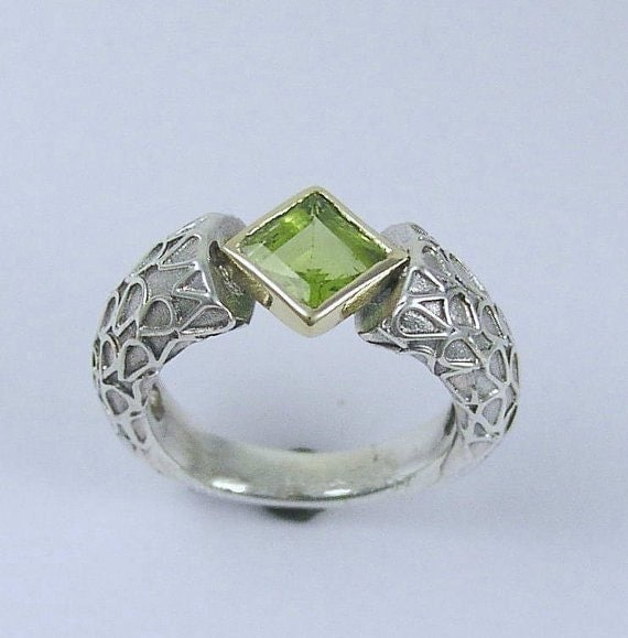 Sterling silver ring, yellow gold ring, rose-cut green peridot ring, gemstone ring, August birthstone ring, green ring - In your steps R1227