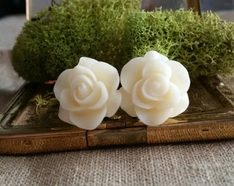 Flower Plugs, Wedding Gauges, Milky White Roses
