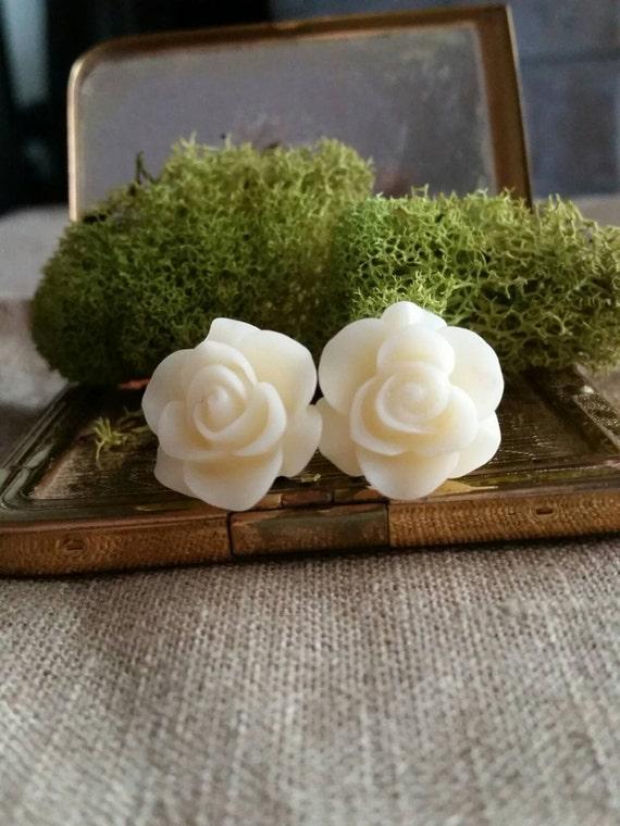 Flower Plugs Gauges Milky White Roses