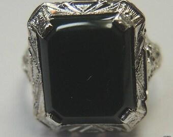 Antique Bloodstone White Gold Filigree Ring