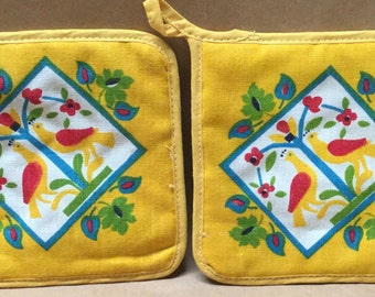 """Vintage 7"""" Potholders Yellow Square PA Dutch Style Cottage Kitchen Gently Used"""