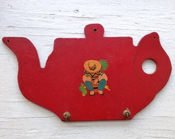 Vintage Wooden Wall Hook Plaque with Decal