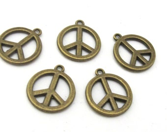 8 - Retro peace symbol charms antiqued brass tone - 20 mm x 18 mm - CM193