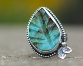 Carved Turquoise Leaf Ring, Southwestern Ring, Size 6, Boho Jewelry, Nature Jewelry, Sterling Silver Necklace