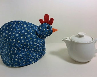Chicken tea cozy: blue and yellow