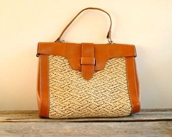 Straw Leather Bag   //  70s Raffia HandBag  //   THE HAMPTONS