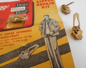 Vintage Dritz Snag-Proof Removable Zipper Slide On Original Ad Card 1950's. 2 extra pulls.