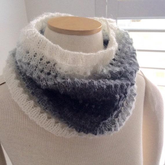 Cowl Knitting Pattern For Beginners : Easy Eyelet Cowl Knitting PATTERN Great for the Beginner