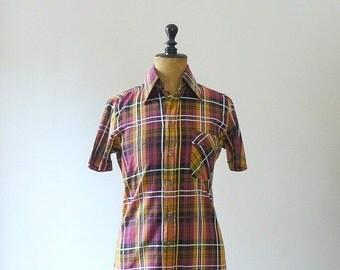 40% OFF SALE // Vintage 1970s cotton plaid shirt. 70s plaid blouse