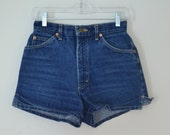 1990s lee shorty jean shorts // booty denim shorts // xs small