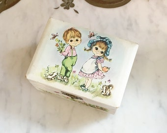 Vintage 60s 70s Big Eye Boy & Girl Print Jewelry/Music Box