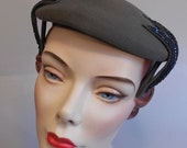 ON SALE 30% OFF London Foggy Days - Early 1950s Grey Gray Wool Felt Caplet Hat w/Sequined Side Leafs