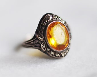 Ladies Sterling Silver Vintage Citrine Topaz Ring with Studded Filigree (Size 5 - 5.5)